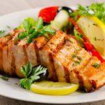 Рыба с луком пореем в духовке